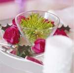 Pink and green Christmas flower arrangement to make
